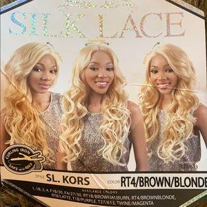 NWT Motown Tress SL. Kors Silk Base Swiss Lace Wig